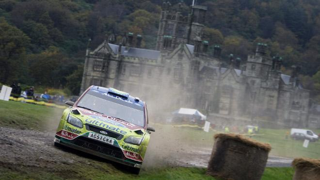 WRC Angleterre SS1 : Loeb d'un chouia devant Ogier