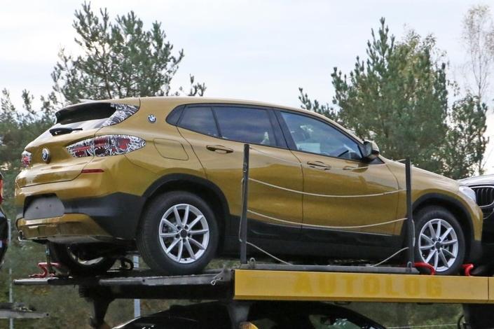 Le BMW X2 surpris quasiment nu