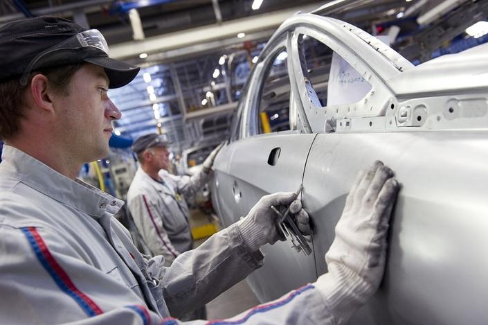 Usines PSA à Sochaux et Mulhouse: production assurée pour la prochaine décennie