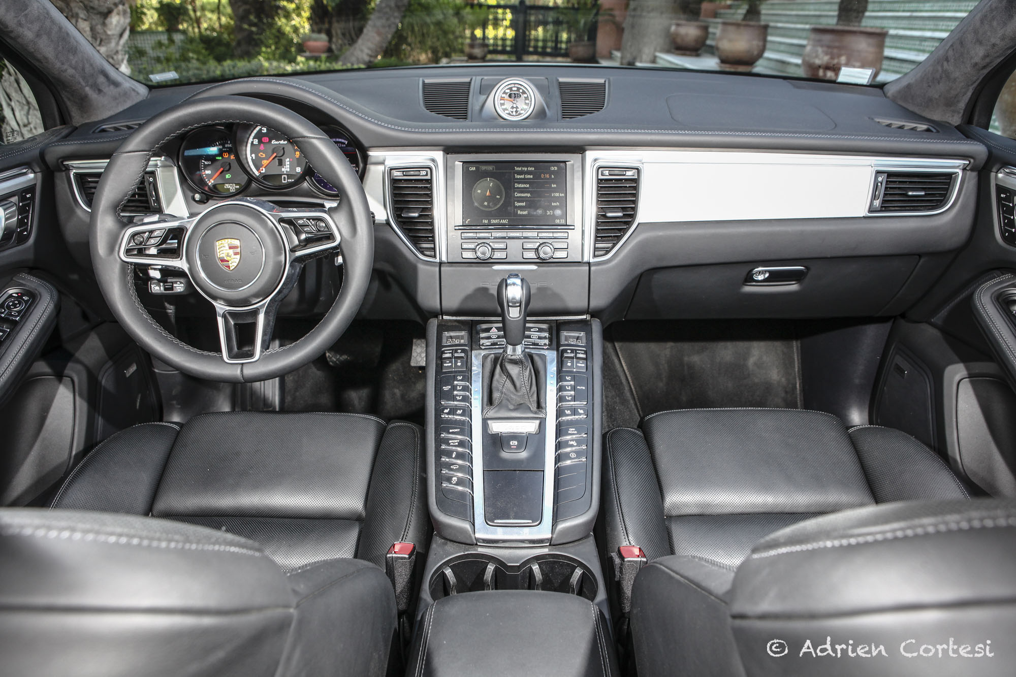 essai vid o porsche macan la machine sous. Black Bedroom Furniture Sets. Home Design Ideas