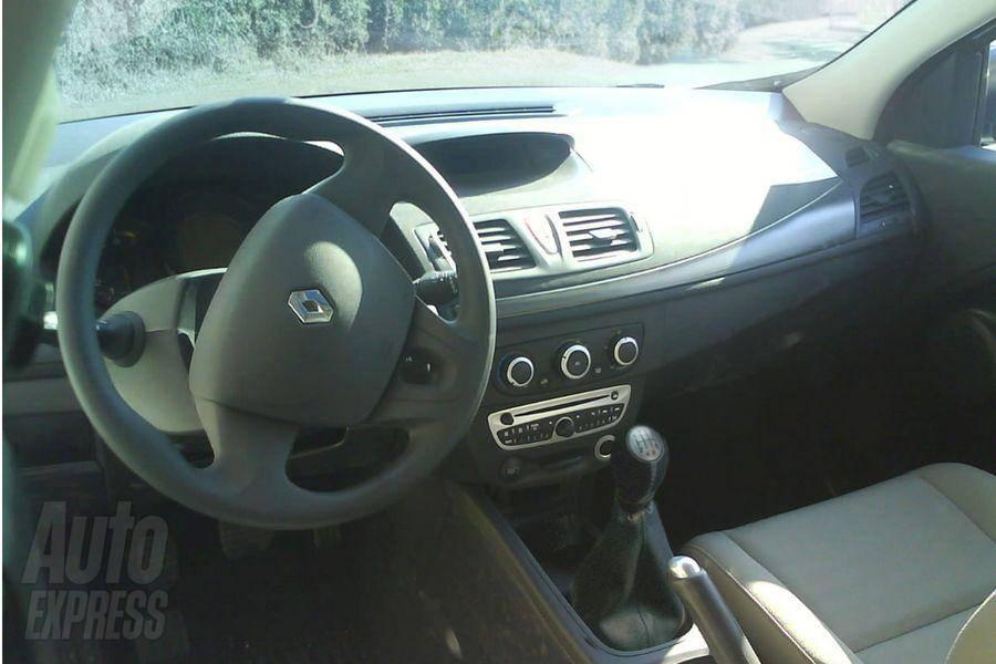 S0-Renault-Megane-3-exterieur-interieur-la-totale-43299