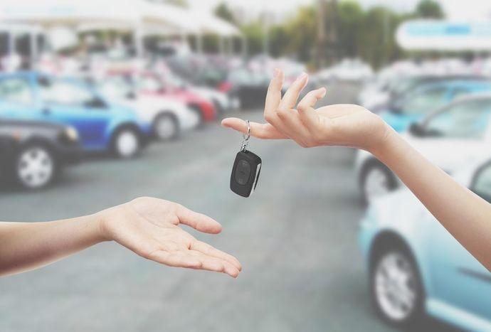 Prêter sa voiture : quelles assurances et conditions ?