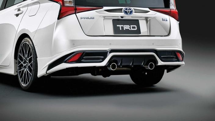 La Toyota Prius restylée reçoit le traitement TRD