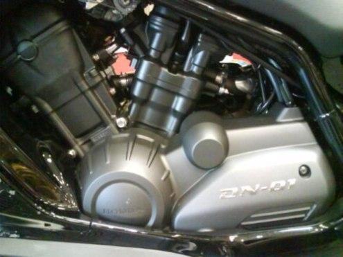 Honda : Sortie officielle de la DN-01 chez les concessionnaires