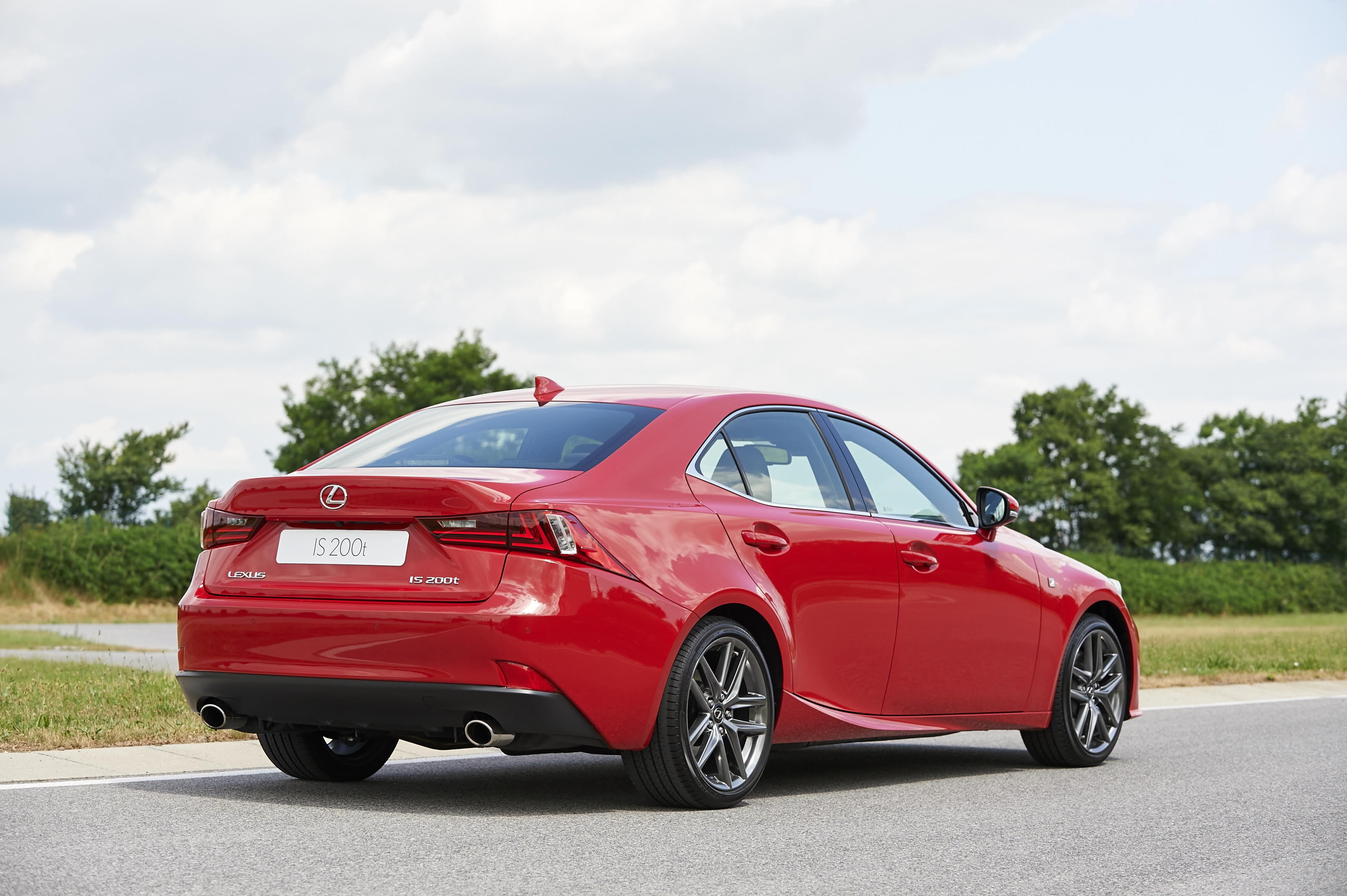 [Image: S0-Un-2-0l-de-245-ch-pour-la-Lexus-IS-357168.jpg]
