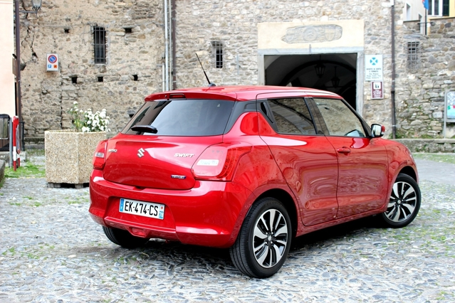 La Suzuki Swift arrive en concession : la mini japonaise