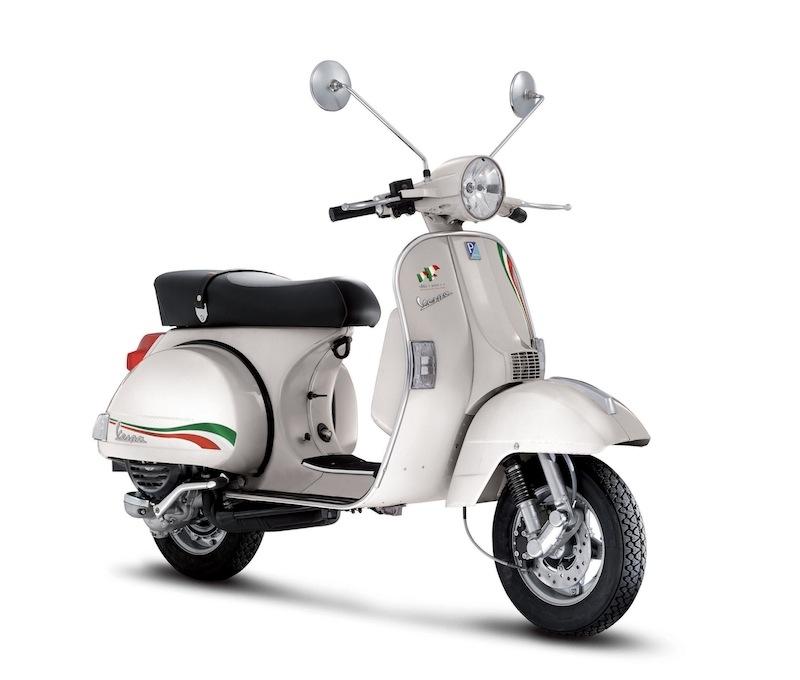 Nouveauté scooter : Vespa PX 125 série spéciale ''Unita Italia''