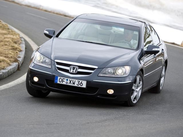 Top 10 Caradisiac - Les voitures qui portent mal leur nom: Rapid, C-Elysée…