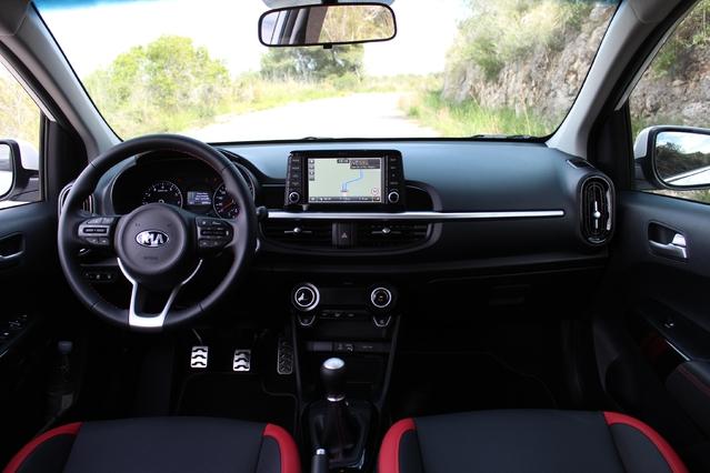 Le cockpit totalement nouveau s'inspire de la Rio.