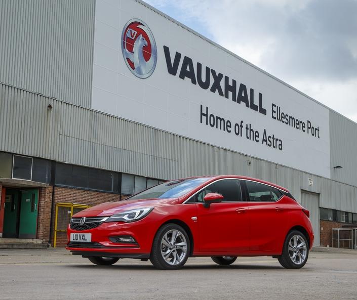 Après le rachat d'Opel, PSA supprime des emplois en Angleterre