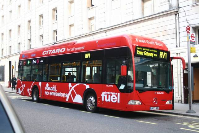 Londres/10 bus à l'hydrogène en 2010 : Air Products et Transport for London main dans la main