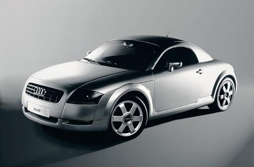 La TT (Audi) s'expose: ne vous (mé)prenez pas les pieds dans ses racines!