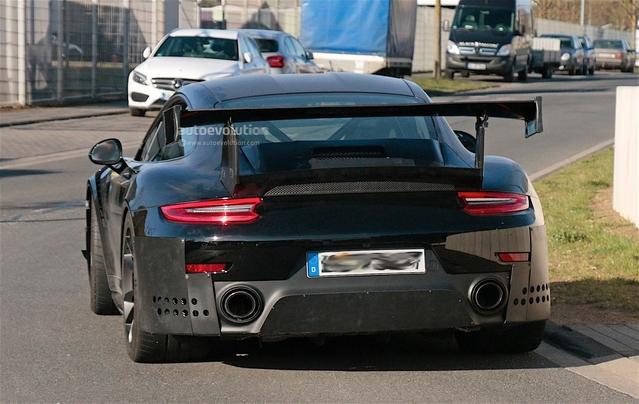 Porsche : la 911 GT2 fait son retour