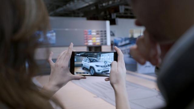 Le Jeep Compass arrive dans les concessions… de manière virtuelle