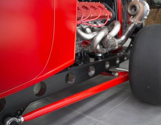Insolite : un extraordinaire hot rod Ford à moteur...Ferrari