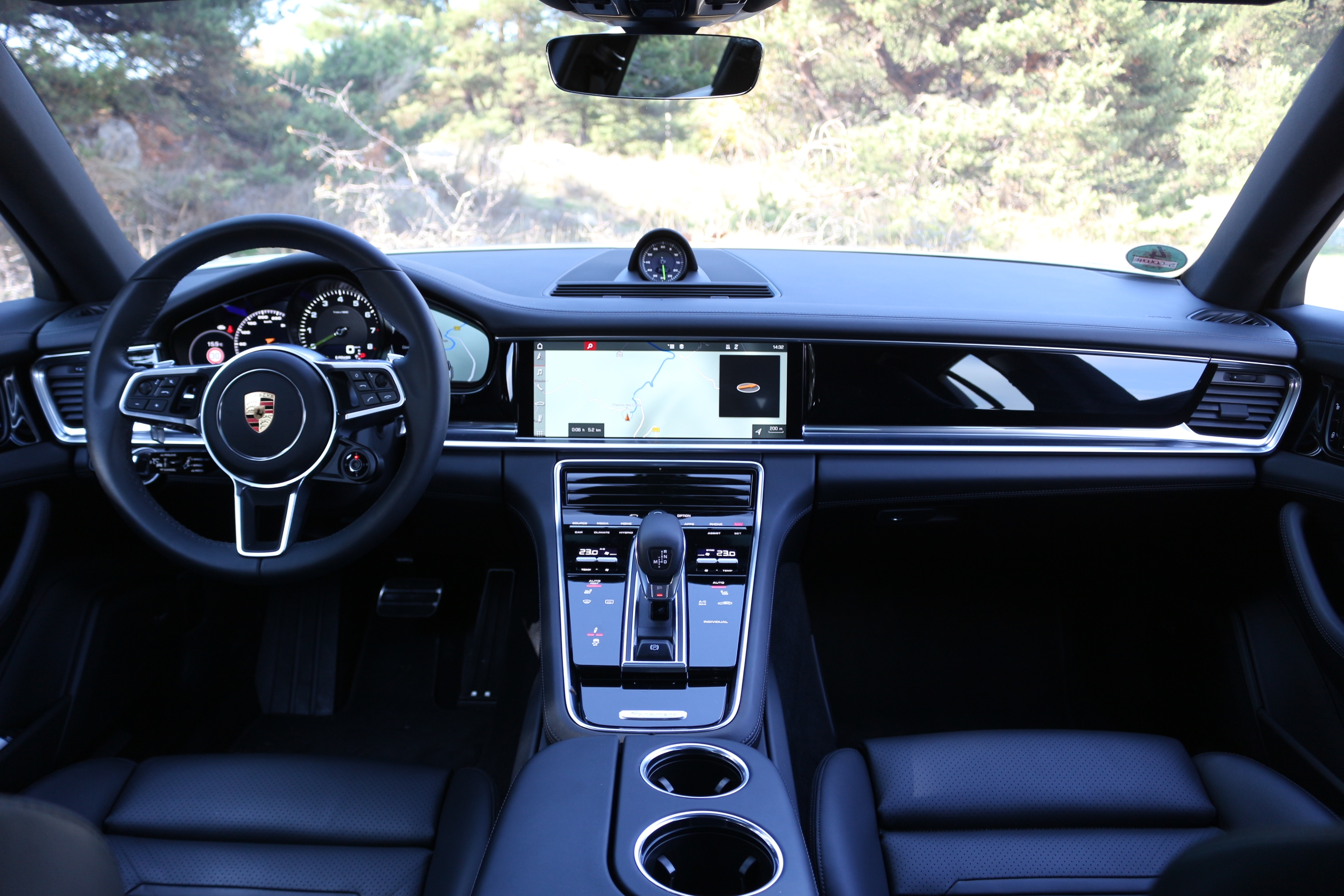 essai vid o porsche panamera sport turismo coffre jouer. Black Bedroom Furniture Sets. Home Design Ideas