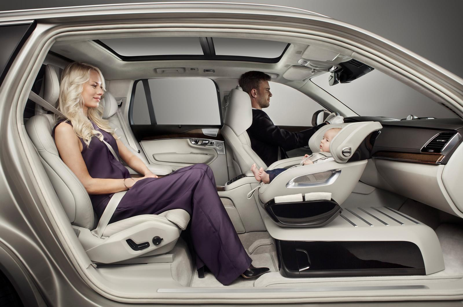 volvo un si ge auto premium pour le xc90. Black Bedroom Furniture Sets. Home Design Ideas
