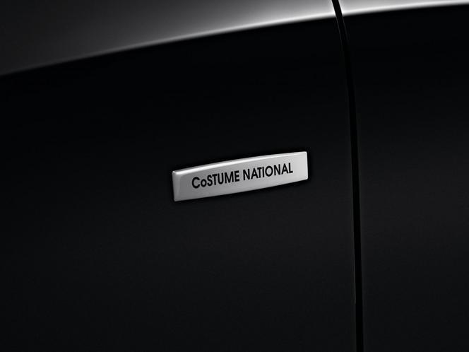 Renault présente une Clio Costume National