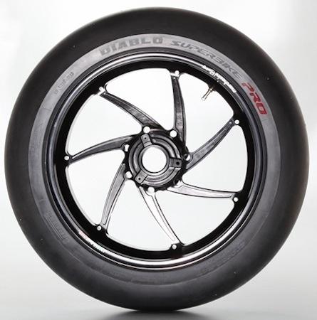 Pirelli Diablo Superbike Pro: le pneu point de rencontre entre le pilote pro et l'amateur