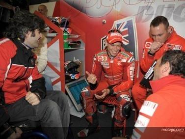 Moto GP - Italie D.2: Stoner veut un résultat pour Ducati