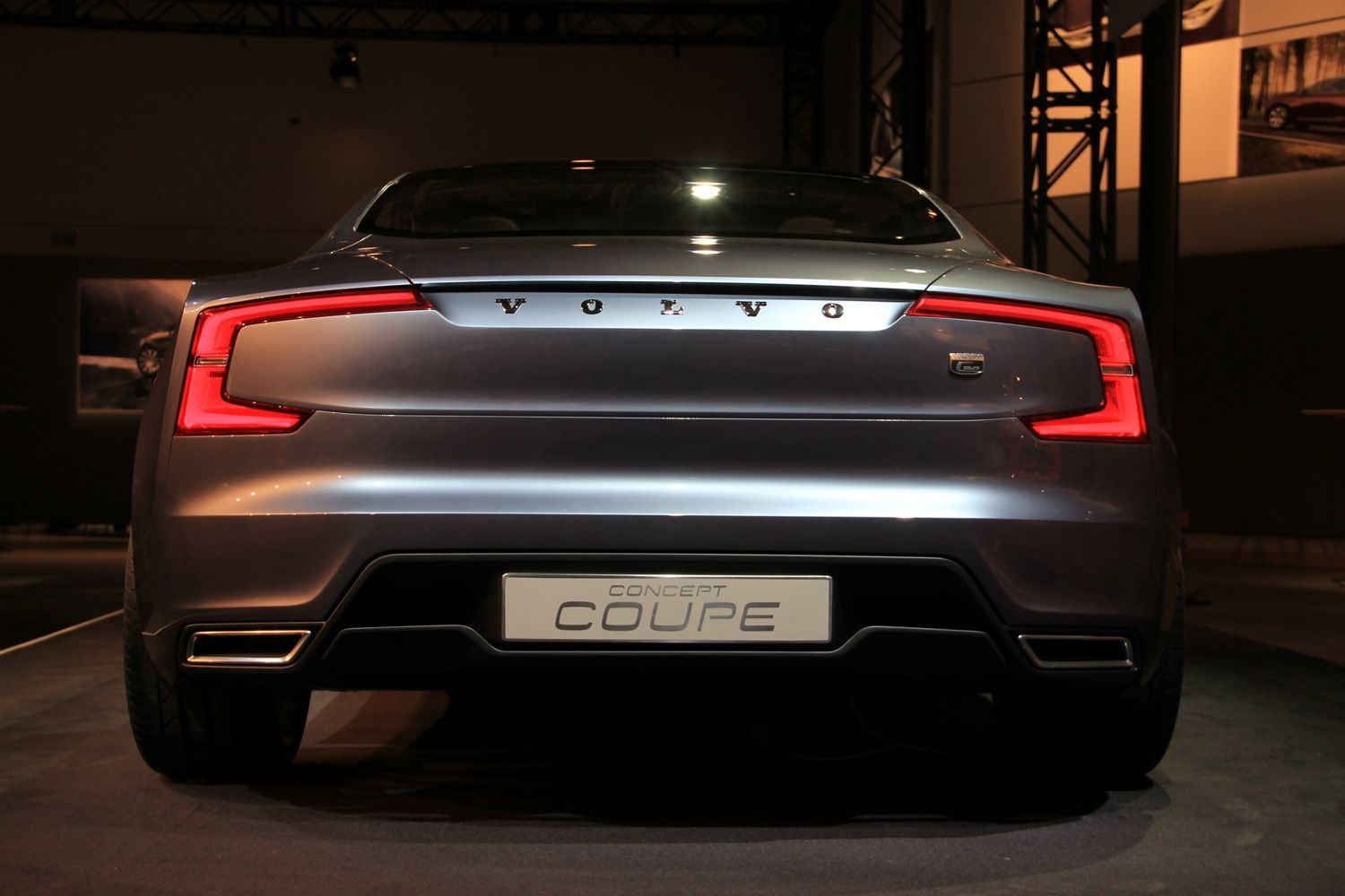 Le coupé hybride de 600 ch et 1 000 Nm — Ploestar One