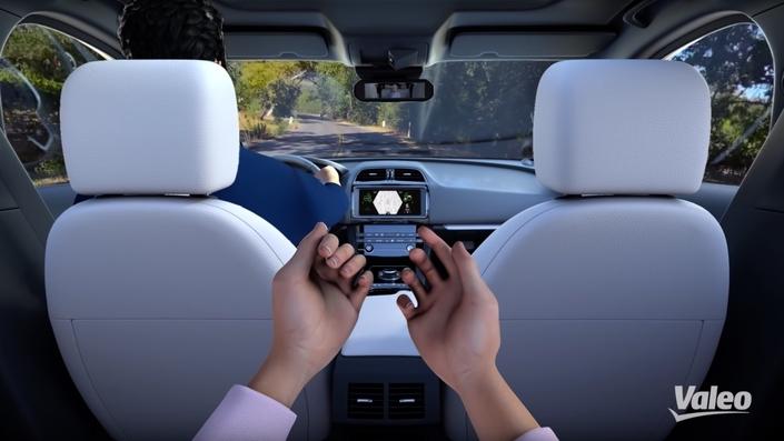 """Le Voyage XR permet de vous """"téléporter"""" à bord d'un véhicule."""