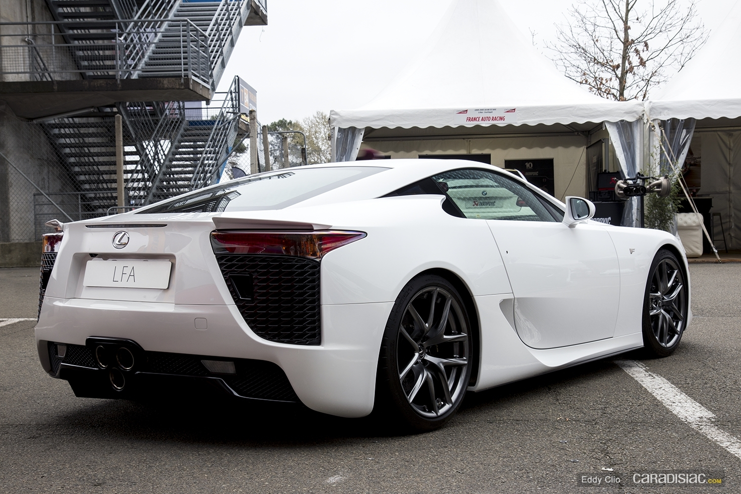 photos du jour lexus lfa exclusive drive. Black Bedroom Furniture Sets. Home Design Ideas