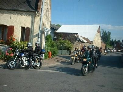 Le 8 juin, une motarde emmène ses amis en randonnée : La Balade à Nadine