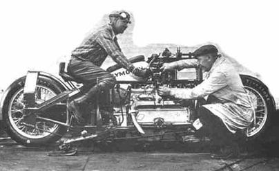 Image d'antan : Plymouth Motorcycle, l'ancêtre de la Dodge Tomahawk