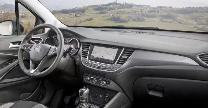 Nouveautés 2019 - Citadines - Nouvelles Peugeot 208, Renault Clio et Opel Corsa, c'est la fête!