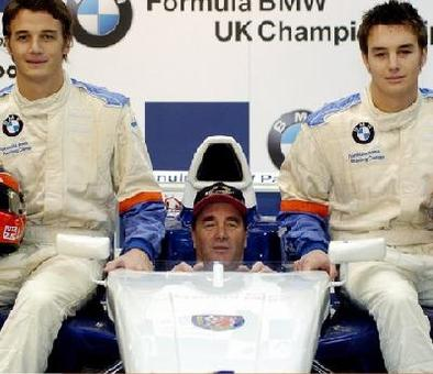 Mansell place ses fistons