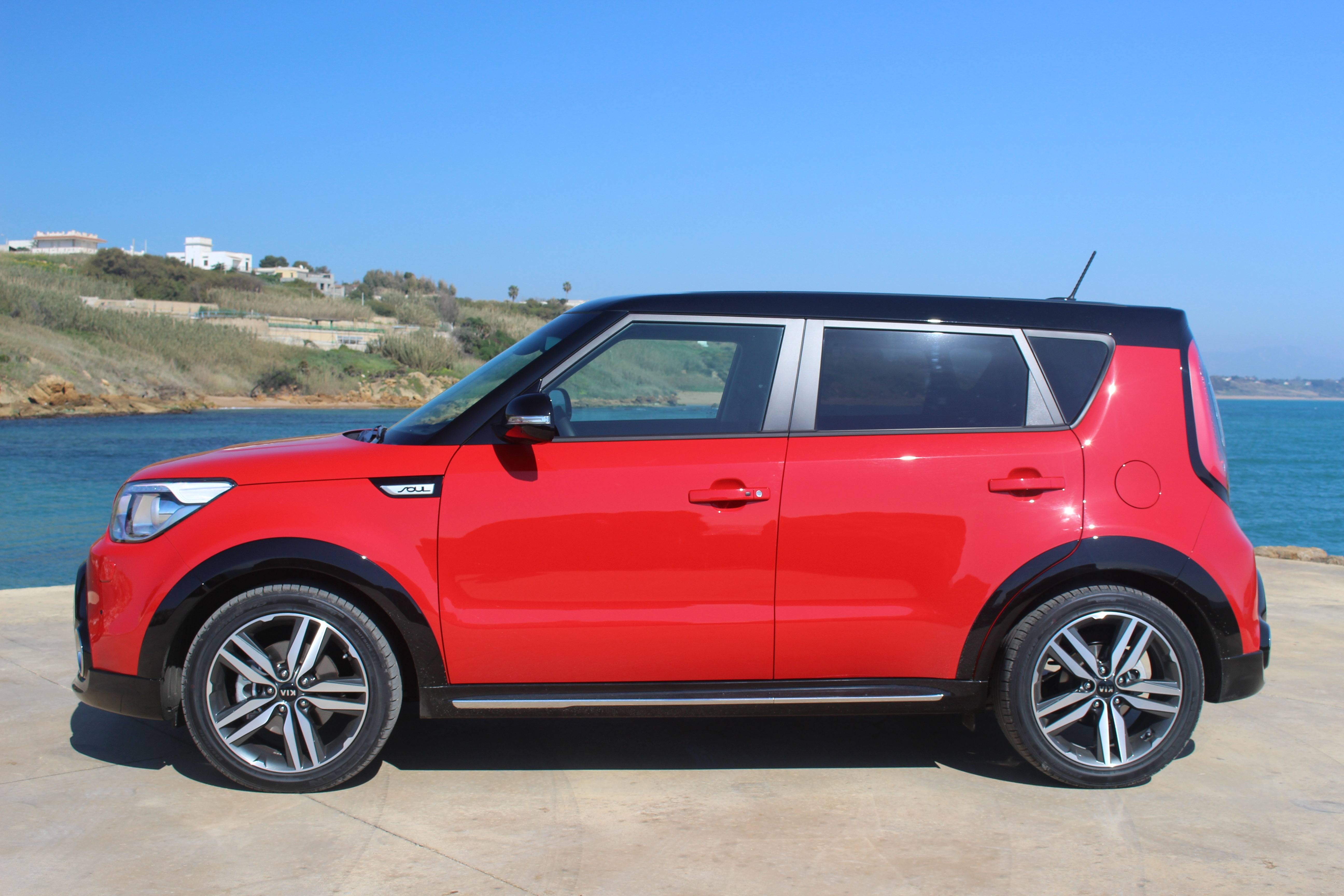 essai vid o kia soul ii soul back to life. Black Bedroom Furniture Sets. Home Design Ideas