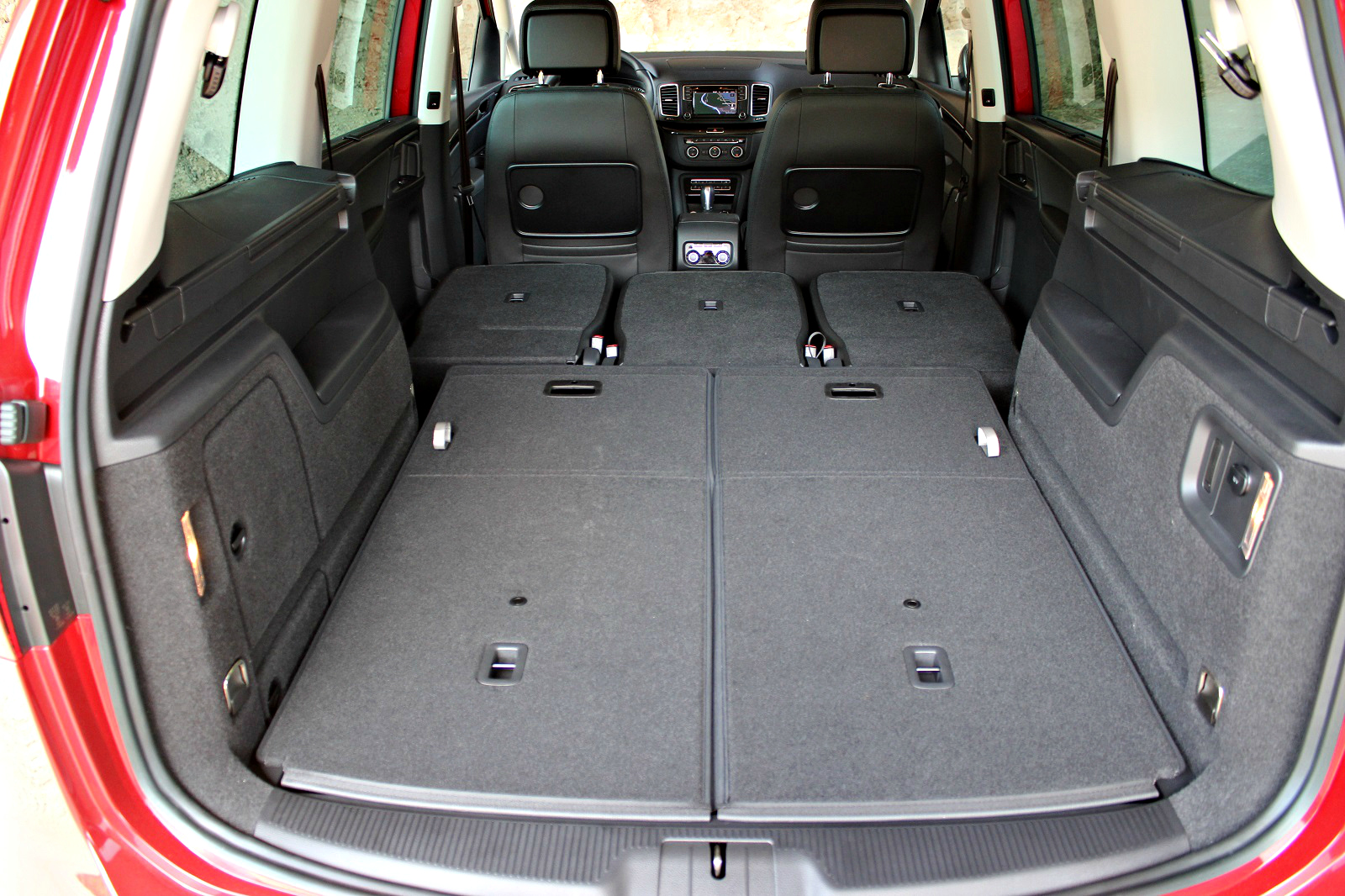 essai vid o seat alhambra restyl e guerre intestine. Black Bedroom Furniture Sets. Home Design Ideas