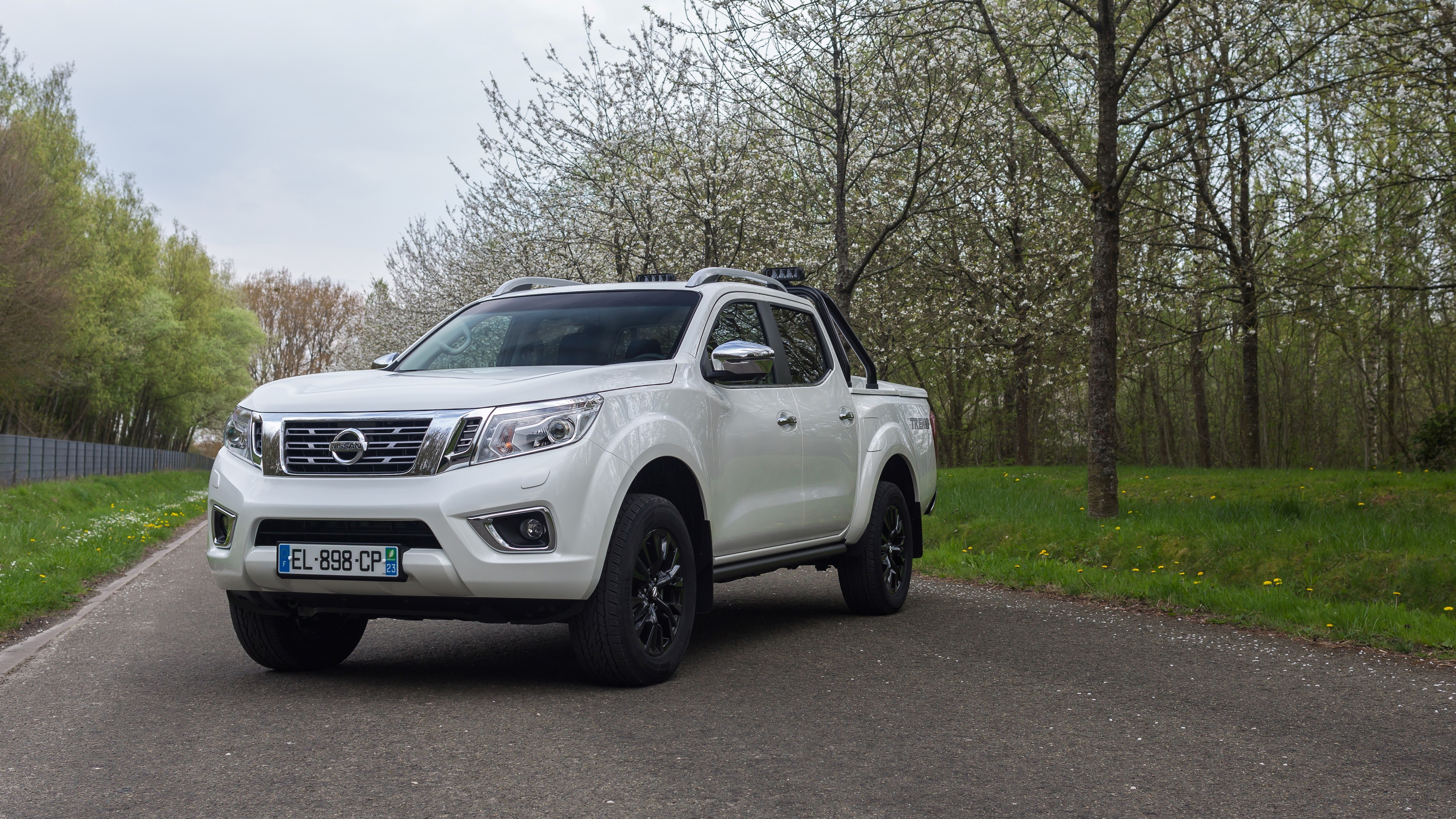 nissan navara nouvelle s rie limit e trek 1. Black Bedroom Furniture Sets. Home Design Ideas