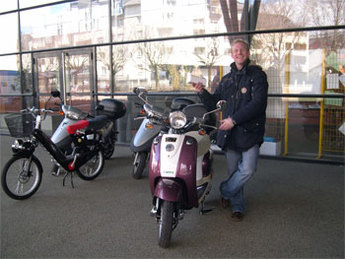 Lycée Monge/Chambéry : des prêts d'essai de deux-roues électriques proposés