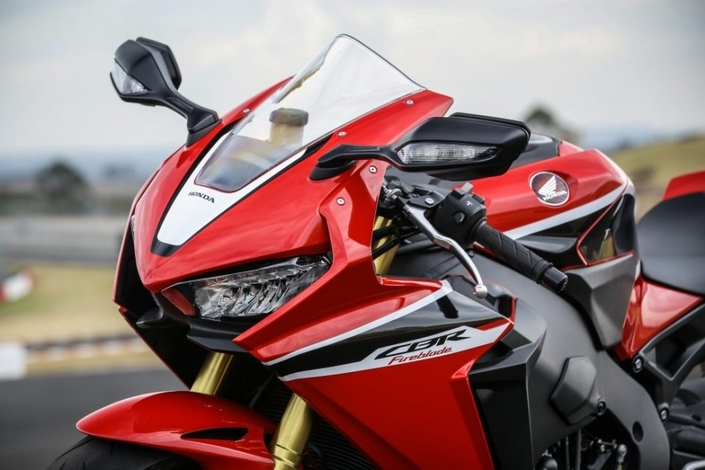 Honda: une distribution variable pour la nouvelle CBR1000RR? S1-nouveaute-honda-une-distribution-variable-pour-la-nouvelle-cbr1000rr-577730