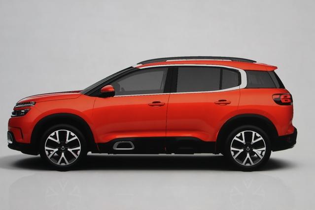 Plus long que la Peugeot 3008, le C5 Aircross devrait être également plus habitable