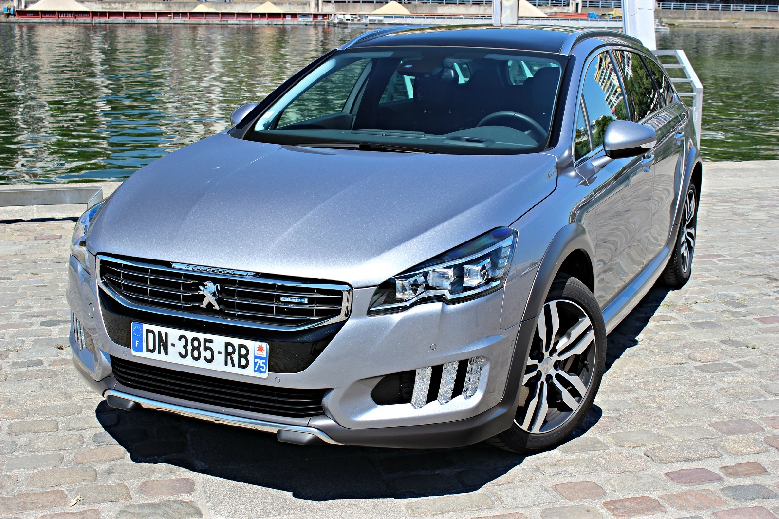 essai peugeot 508 rxh 20 l bluehdi 180 la forme avant autos post. Black Bedroom Furniture Sets. Home Design Ideas