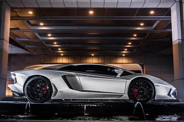 Lamborghini : une Aventador Jackie Chan pour la Chine
