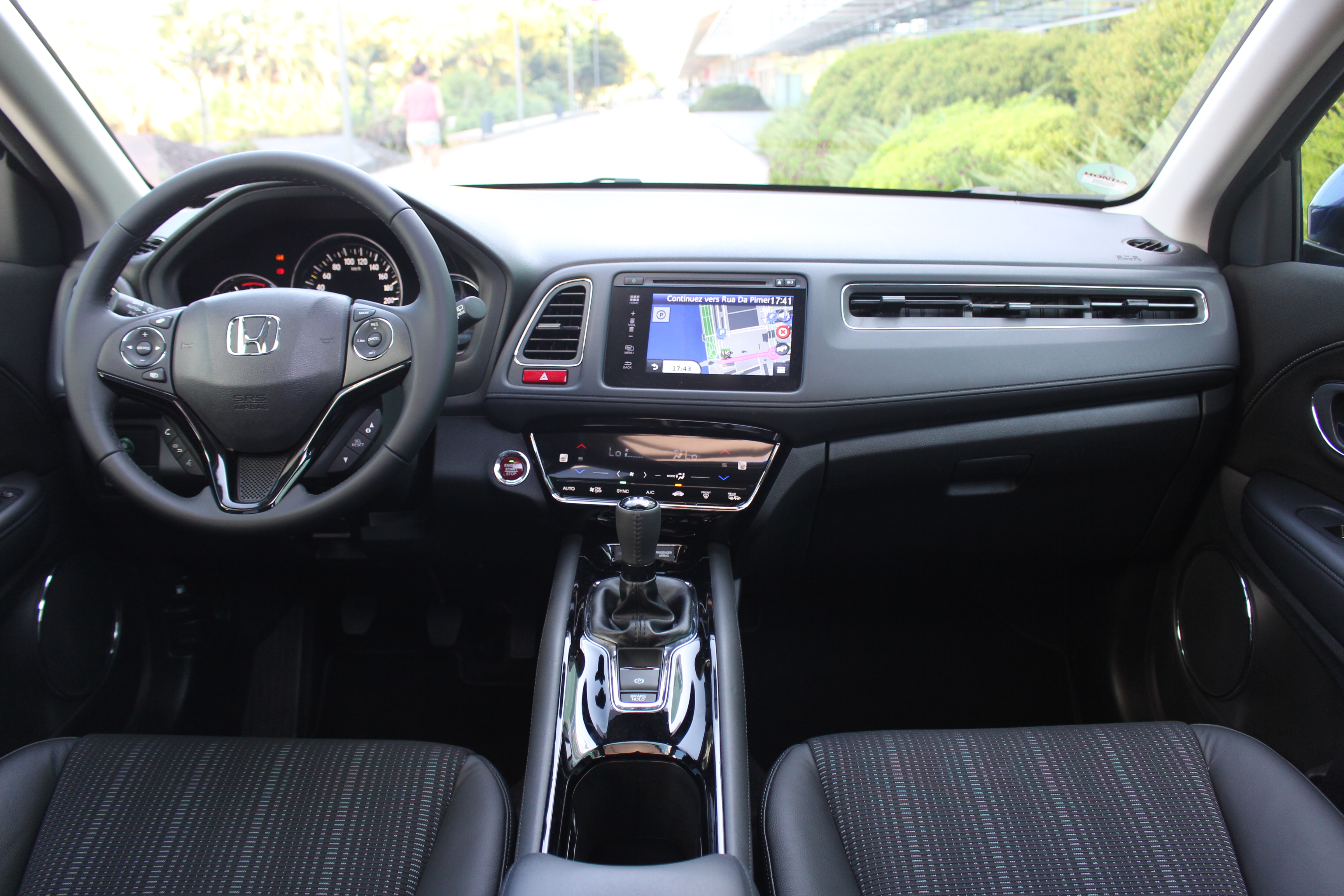 Essai vid o honda hrv 2 seconde chance for Interieur toyota chr