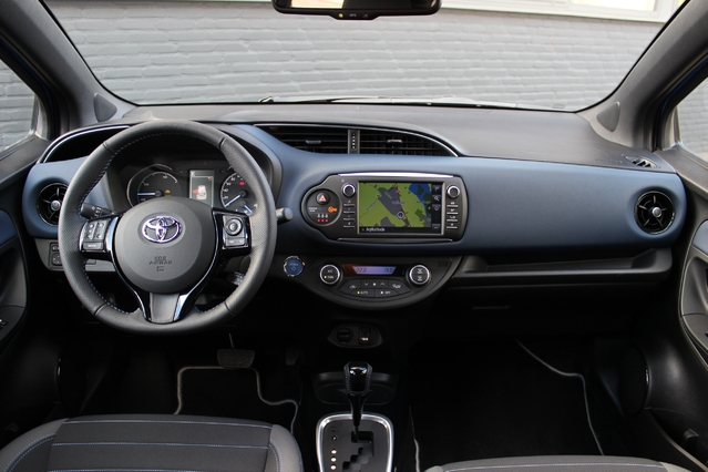 Essai vid o toyota yaris restyl e 2017 l for Interieur yaris 2017