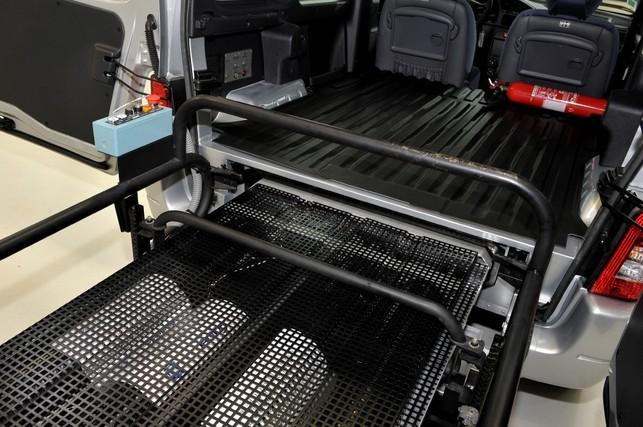 PSA Peugeot Citroën/Intelligent Energy : Peugeot Partner H2Origin doté d'une pile à combustible PEMFC de nouvelle génération