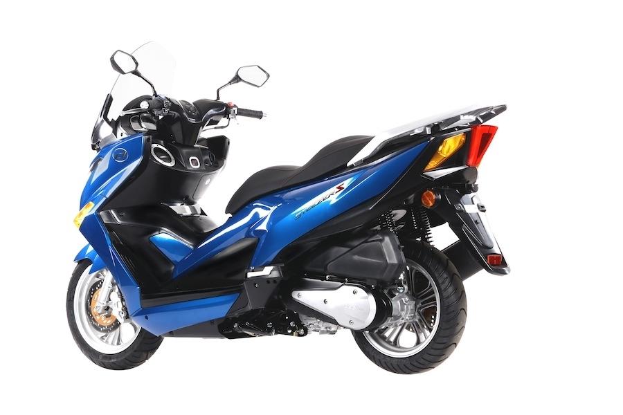 Nouveauté scooter 2016 : Daelim lance le Steezer 125