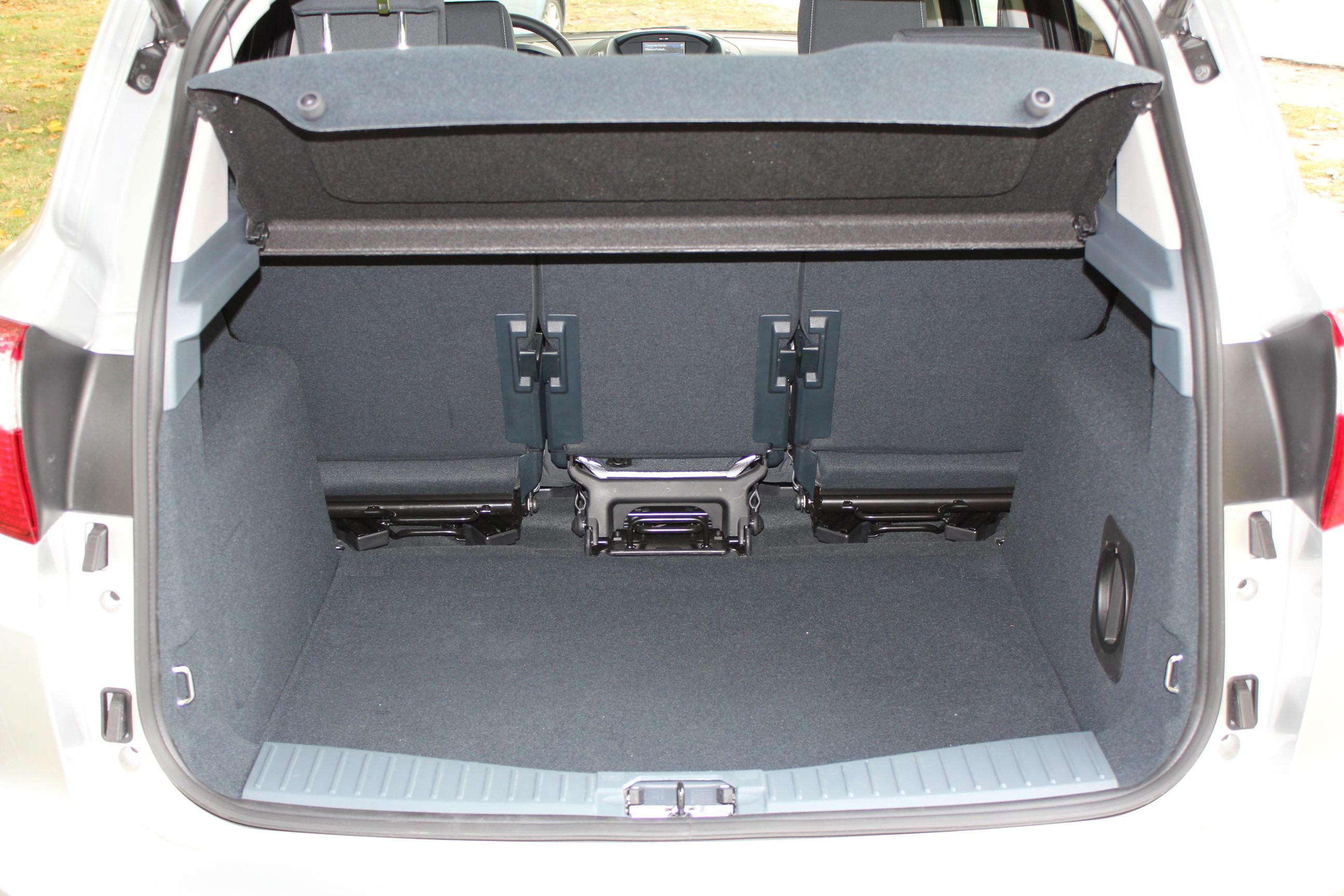 comparatif renault sc nic ford c max destination famille. Black Bedroom Furniture Sets. Home Design Ideas