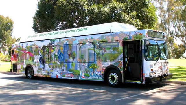 Un autobus hybride-électrique/gaz naturel compressé en circulation !
