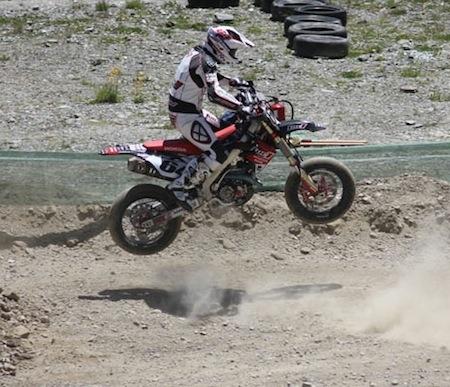 Supermotard, championnat du monde 2011: interview de Sylvain Bidart au Pas de la Case.