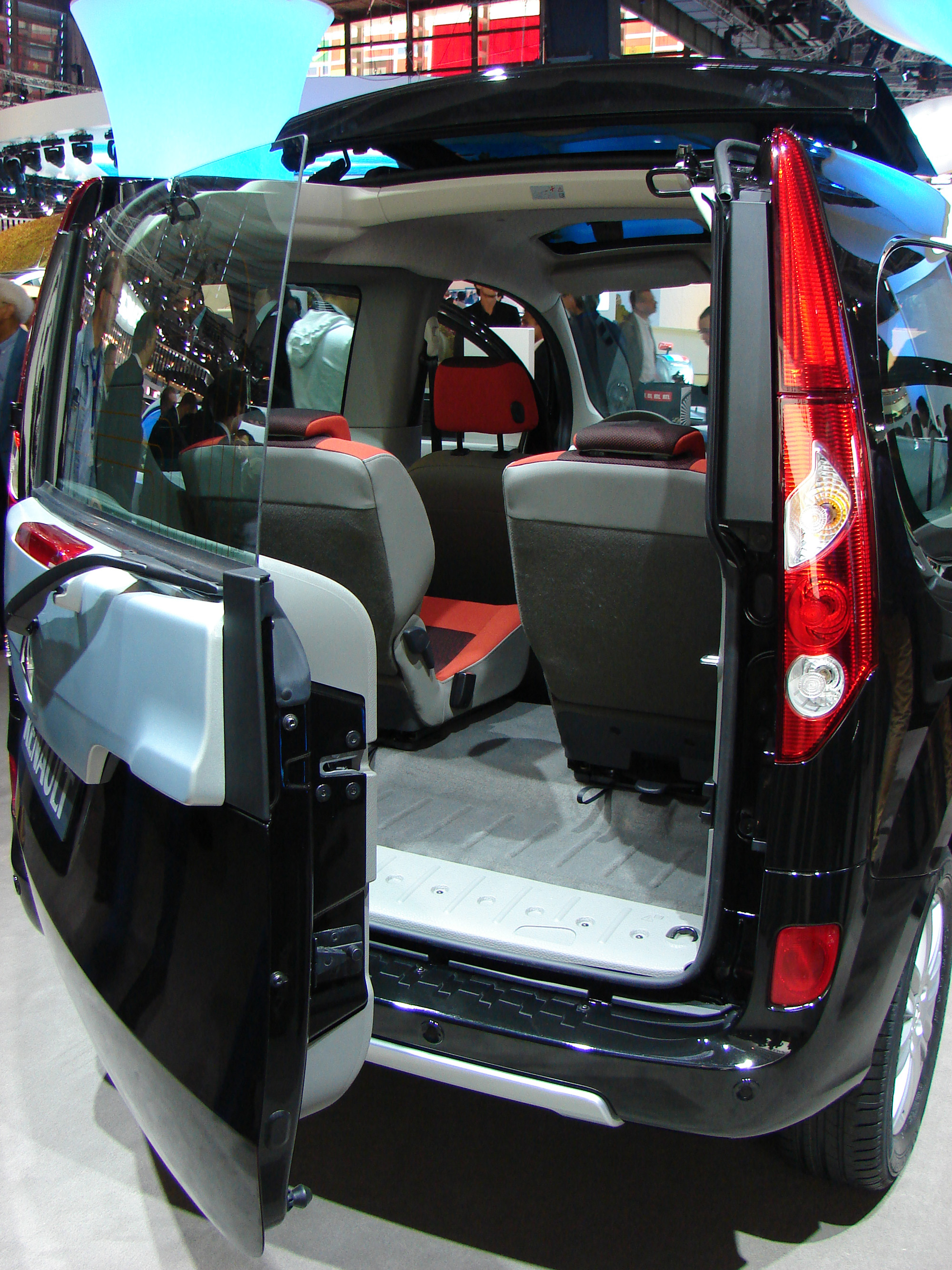 renault kangoo be bop en direct du mondial. Black Bedroom Furniture Sets. Home Design Ideas