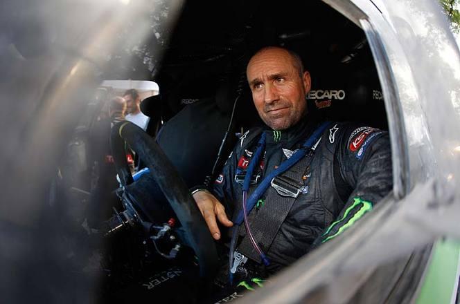 Dakar 2013 - Etape 9 : la bagarre est finie ! Peterhansel prend le large et Roma l'étape