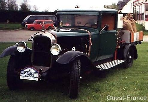 Une Citroën C4 de 1929 roule aux algues vertes !