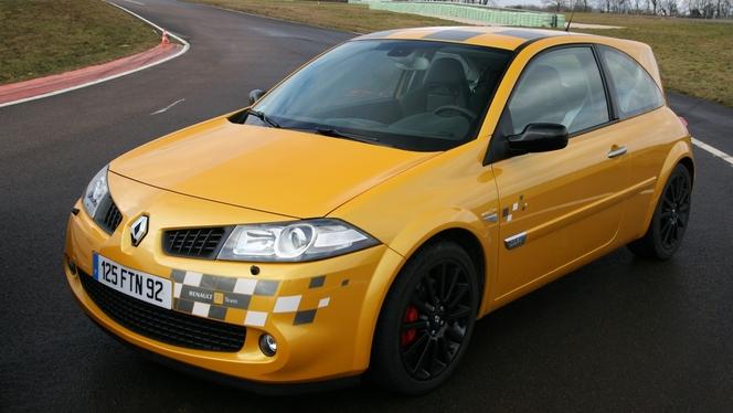 L'avis propriétaire du jour : thedrummer89 nous parle de sa Renault Mégane RS F1 Team R26